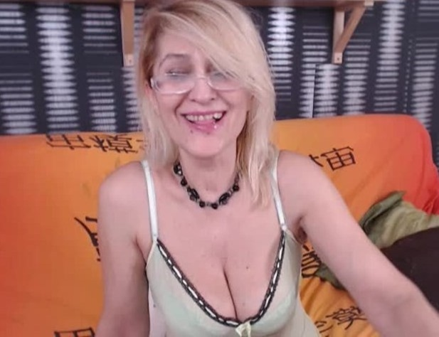 reality sex shows with real MILF